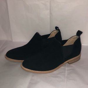 Clark's Edenvale Page Black Suede Booties NWOT